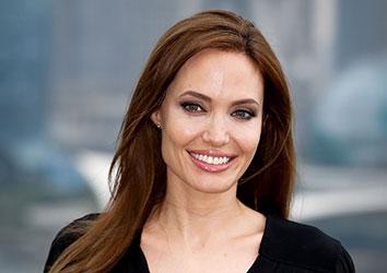 Attore famoso Angelina Jolie