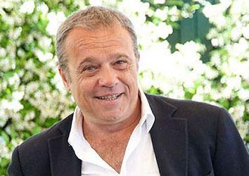 Attore famoso Claudio Amendola