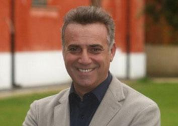 Attore famoso Massimo Ghini